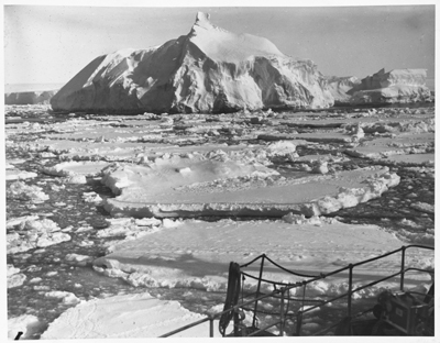 In an Antarctic Fairyland... A dazzling glimpse of Berg and Floe off the coast of the Kemp Land. The Discovery passed through some hundreds of miles of similar scenery, 1929–31 – Frank Hurley, courtesy National Library of Australia.