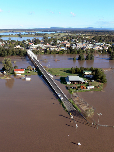 Photograph: Hunter River in flood, Morpeth, June 2007 – courtesy NSW SES.