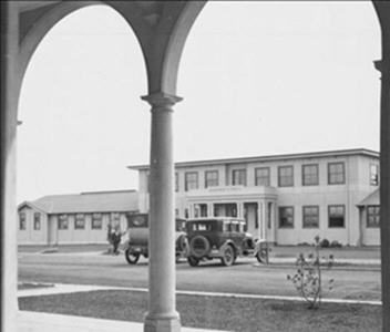 Photograph of the old Jolimont Building, 1929.